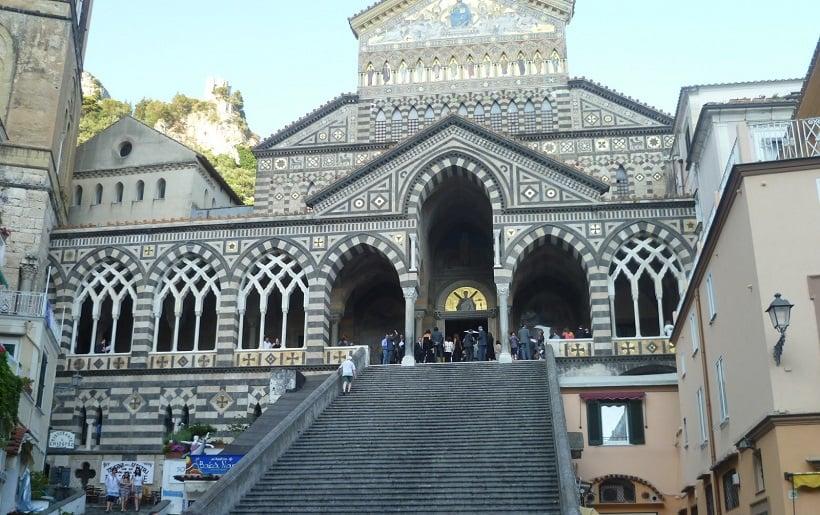 Amalfi na Costa Amalfitana na Itália