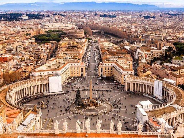 Meses de alta e baixa temporada no Vaticano