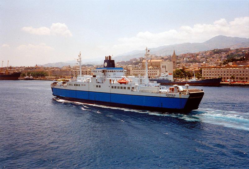 Viagem de ferry na Itália